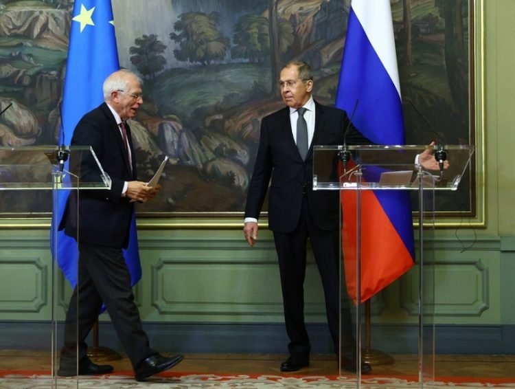 Ο Ζοζέπ Μπορέλ και ο Σεργκέι Λαβρόφ μετά τις συνομιλίες τους στη Μόσχα (φωτ.:  Υπουργείο Εξωτερικών Ρωσίας)