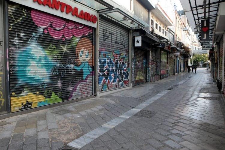 Κλειστά καταστήματα στην οδό Ηφαίστου (φωτ.: ΑΠΕ-ΜΠΕ/ Παντελής Σαΐτας)