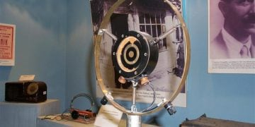 Το πρώτο μικρόφωνο του «Ράδιο Τσιγγιρίδης» (φωτ.: Noesis)