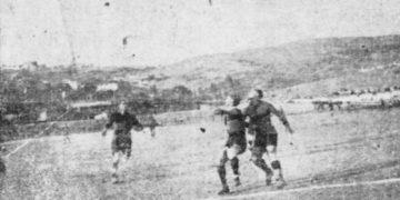 Η μπάλα καταλήγει στα καρέ της Ένωσης Κωνσταντινουπολιτών (φωτ.: Sport-retro)