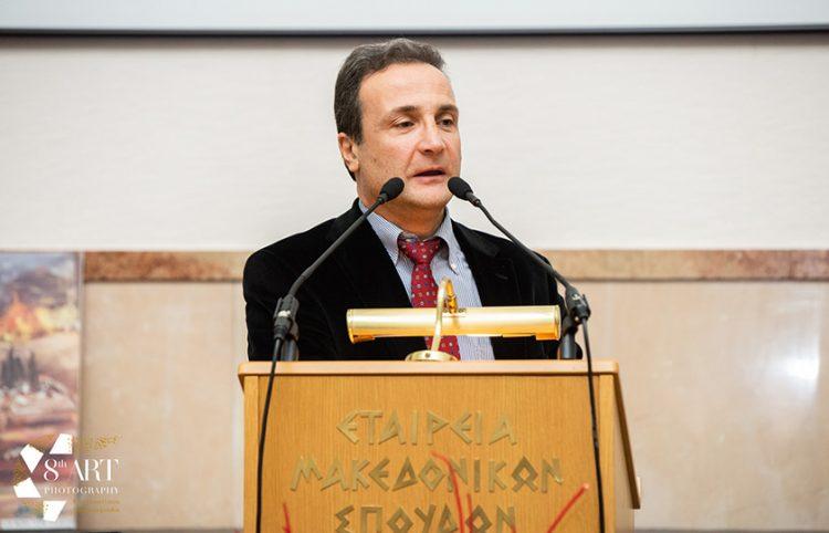 Ο αναπληρωτής καθηγητής στο Δημοκρίτειο Ηλίας Πετρόπουλος (φωτ.: 8th art photography)