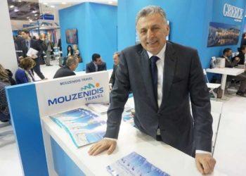 Ο δραστήριος επιχειρηματίας στον χώρο που αγαπούσε να βρίσκεται, στα γραφεία της Ellinair (φωτ.: Facebook/Mouzenidis.Group)