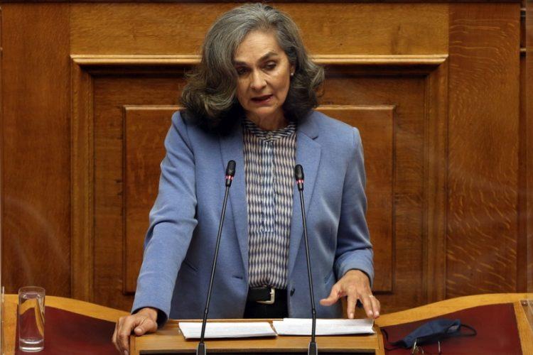 Η βουλευτής του ΜέΡΑ 25 Σοφία Σακοράφα και πρόεδρος του ΣΕΓΑΣ (φωτ.: ΑΠΕ-ΜΠΕ /Ορέστης Παναγιώτου)