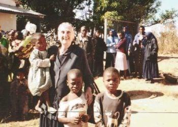 Η ζωή της απέκτησε άλλο νόημα στο Κονγκό, εκεί όπου χτυπούσε η καρδιά της ελληνικής Ιεραποστολής (φωτ: YouTube)