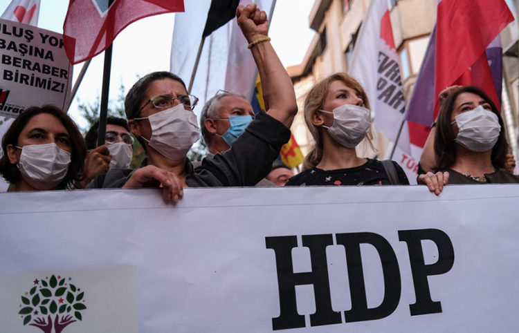 Από παλαιότερες πορείες υπέρ του HDP (φωτ.: EPA / Sedat Suna)