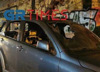 Σπασμένο αυτοκίνητο στην περιοχή του Χαριλάου, στη Θεσσαλονίκη (φωτ.: GR Times)