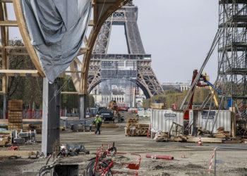 Πυρετώδεις προετοιμασίες στο Παρίσι για τους Ολυμπιακούς του 2024 (φωτ.: EPA / Christophe Petit Tesson)