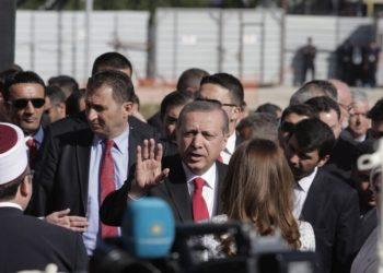Ο Τούρκος πρόεδρος Ρετζέπ Ταγίπ Ερντογάν στα Τίρανα της Αλβανίας (φωτ. αρχείου: ΑΠΕ-ΜΠΕ/ EPA)