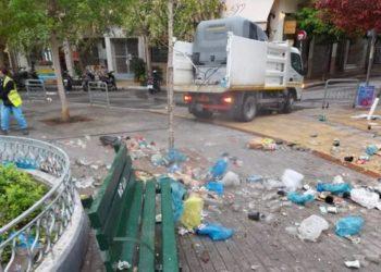 Η πλατεία Αγίου Γεωργίου στην Κυψέλη μετά το κορονοπάρτι της Παρασκευής (φωτ.: Δήμος Αθηναίων)