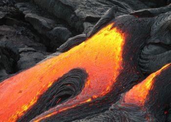 Φωτογραφία από ηφαιστειογενή λάβα (φωτ.: Pexels)
