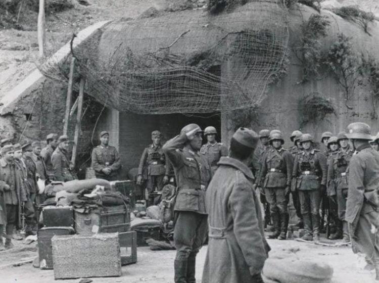 Φωτογραφία-ντοκουμέντο λίγο μετά την παράδοση του οχυρού Ρούπελ στις 10 Απριλίου 1941, την επομένη μέρα της συνθηκολόγησης (πηγή: roupel.gr)