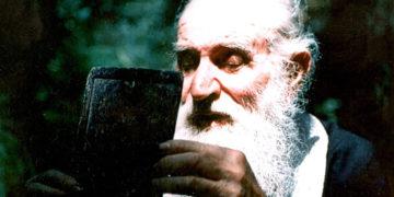 O πατέρας Ιωάννης Καλαΐδης