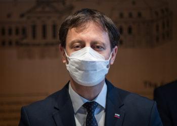 O πρωθυπουργός της Σλοβακίας Έντουαρντ Χέγκερ (φωτ.: EPA / Jakub Gavlak)