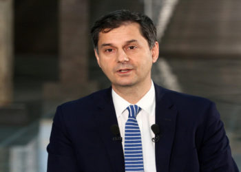 Ο υπουργός Τουρισμού Χάρης Θεοχάρης (φωτ.: ΑΠΕ-ΜΠΕ/ Αλέξανδρος Μπελτσές)