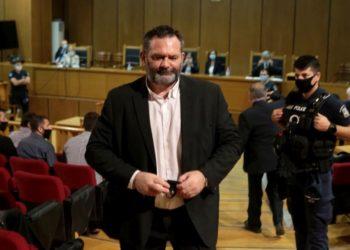 Ο καταδικασμένος ευρωβουλευτής Γιάννης Λαγός στο Εφετείο Αθηνών, πέρυσι τον Οκτώβριο (φωτ. αρχείου: ΑΠΕ-ΜΠΕ/ Παντελής Σαΐτας)