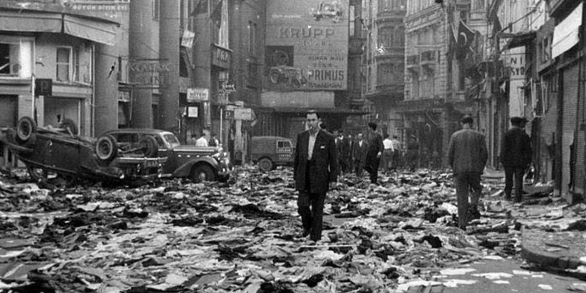 Η παραδοσιακή εχθρότητα προς την Ελλάδα βρήκε την ειλικρινή έκφρασή της μετά τον Β Παγκόσμιο Πόλεμο με την καταστροφή του Ελληνισμού της Πόλης το 1955 από τον Μεντερές