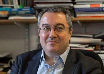 καθηγητής Πολιτικής της Υγείας Ηλίας Μόσιαλος της Σχολής Οικονομικών και Πολιτικών Επιστημών του Λονδίνου (LSE)