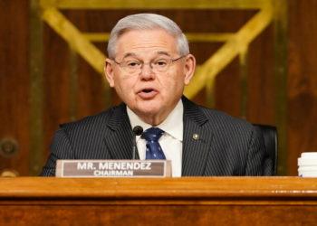 Ο Ρόμπερτ Μενέντεζ (Φωτ. αρχείου:  EPA/ Greg Nash)