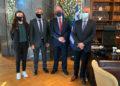 Αθηνά Σωτηριάδου, Γιώργος Βαρυθυμιάδης, Κώστας Τασούλας, Σάββας Αναστασιάδης, στο γραφείο του προέδρου της Βουλής (φωτ.: ΠΟΕ)