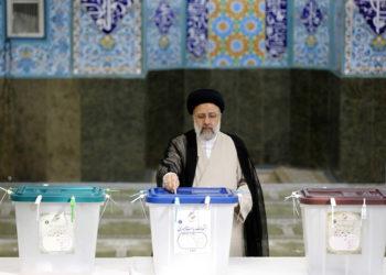 Ο Εμπραχίμ Ραϊσί θα διαδεχθεί τον Χασάν Ροχανί, ο οποίος ήταν στην εξουσία τα τελευταία οκτώ χρόνια (φωτ.: EPA / Abedin Taherkenareh)