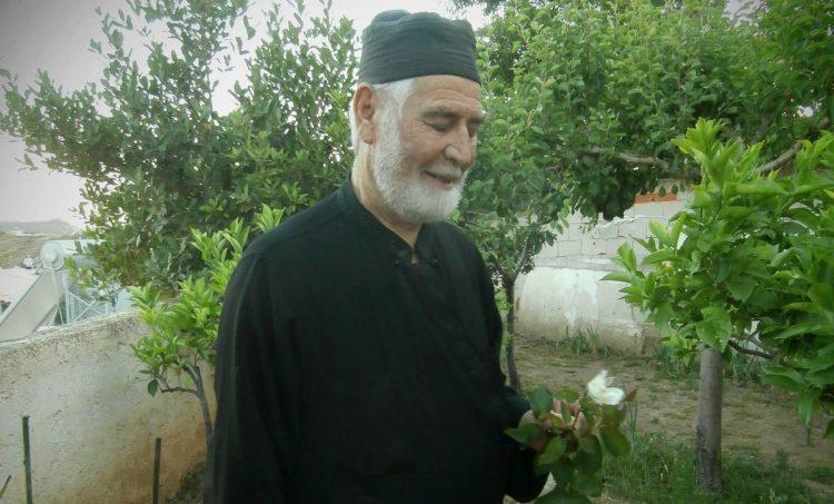 Ο παπα-Γιάννης στο ησυχαστήριό του στην Ελλάδα (φωτ.: pontosnews.gr/ Κρικόρ Τσακιτζιάν)