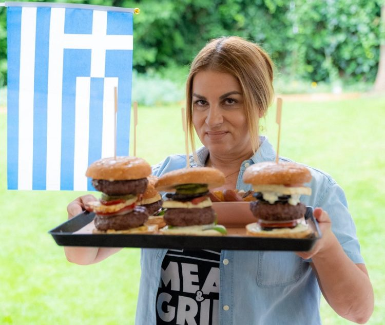 Η αγαπημένη σεφ Μυρσίνη Λαμπράκη που συμμετέχει στο διαγωνισμό (φωτ.: ΑΠΕ-ΜΠΕ)