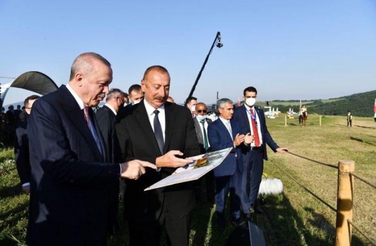 Ερντογάν - Αλίγιεφ, κατά τη επίσκεψη που έκαναν στο Αρτσάχ (φωτ.: armradio.arm)