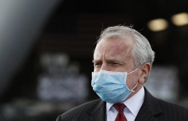 Ο πρέσβης των ΗΠΑ Τζον Σάλιβαν (φωτ.: EPA/ Evgenia Novozhenina)