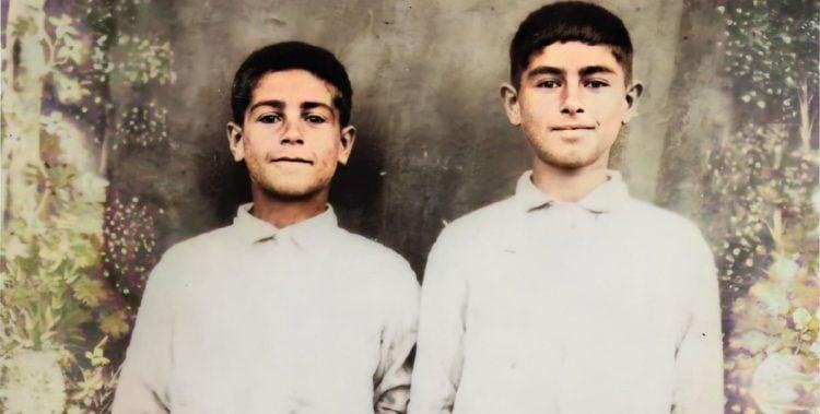 Τα δύο αδέρφια φωτογραφίζονται, στο ορφανοτροφείο, το διάστημα 1922-1928 (φωτ.: facebook.com/thegreekgenocide)