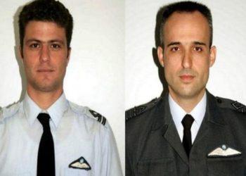 Οι πεσόντες αξιωματικοί Δημήτρης Στοϊλίδης και Ιωάννης Χατζούδης