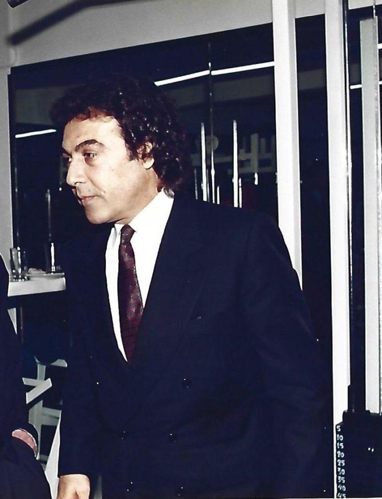 Ο Τόλης Βοσκόπουλος σε επίσκεψη στα εγκαίνια  γυμναστηρίου φίλου του (φωτό: Pontosnews)