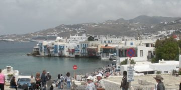 Τα μέτρα απαγόρευσης αδειάζουν το νησί (φωτό:Pontosnews)