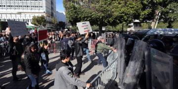 Αντικυβερνητικές διαδηλώσεις στην Τυνησία τον Ιανουάριο (φωτ.: EPA/ Mohamed Messara)