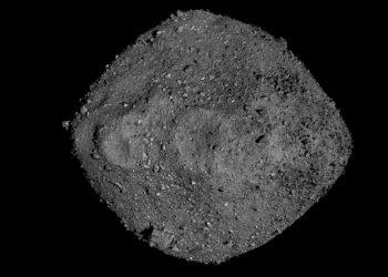 Απεικόνιση του αστεροειδή Bennu που δημιουργήθηκε με τα δεδομένα από το διαστημικό όχημα OSIRIS-REx της NASA, το οποίο βρισκόταν πολύ κοντά του επί δύο χρόνια(Φωτ.: NASA/Goddard/University of Arizona)
