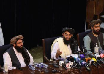 Ο εκπρόσωπος των Ταλιμπάν Ζαμπιχουλάχ Μουζαχίντ (φωτ.:EPA/STRINGER)