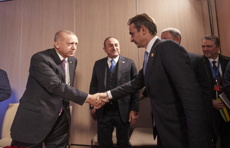 Οι δύο αρχηγοί σε προηγούμενη τους συνάντηση (φωτ. αρχείου: ΑΠΕ-ΜΠΕ/ Γραφείο Τύπου του Πρωθυπουργού/ Δημήτρης Παπαμήτσος)