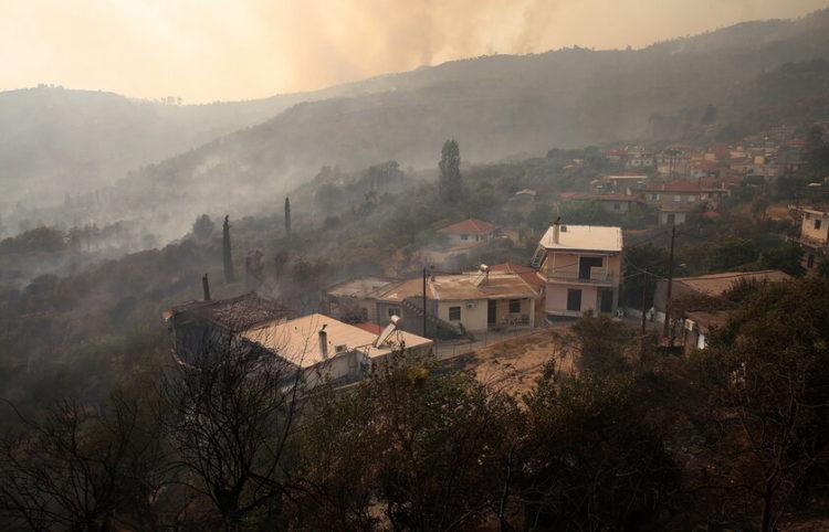 Βύλιζα, 5 Αυγούστου (φωτ.: EPA/ Orestis Panagiotou)
