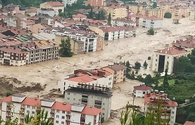 Η πλημμυρισμένη Κασταμονή (φωτ.: DHA)