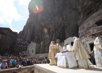 Ο Οικουμενικός Πατριάρχης στην Παναγία Σουμελά στον Πόντο τον Δεκαπενταύγουστο του 2011 (φωτ.: ΑΠΕ-ΜΠΕ / Νίκος Αρβανιτίδης)