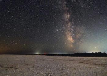 Περσείδες στον νυχτερινό ουρανό της Λήμνου (φωτ.: ΑΠΕ-ΜΠΕ / Νίκος Αρβανιτίδης)