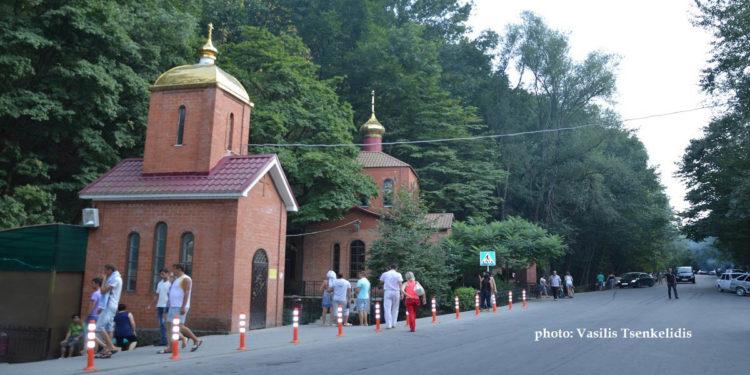 Το παρεκκλήσι του Αγίου Νικολάου στην Πηγή της Παναγίας «Το Άγιο Χέρι» (φωτ.: Βασίλης Τσενκελίδης)