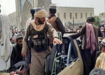 Οι Ταλιμπάν στην Κανταχάρ (φωτ.: EPA / STRINGER)