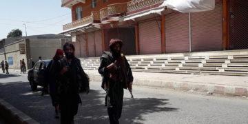 Ταλιμπάν περιπολούν τους δρόμους, 12 Αυγούστου 2021 (φωτ.: EPA/ Nawid Tanha)