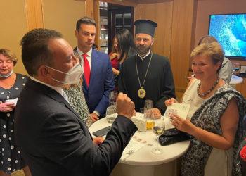Ο Κώστας Βλάσης σε συνάντηση με Έλληνες ομογενείς στο Κίεβο (φωτ.: Facebook / Kostas Vlasis)