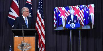 Σκοτ Μόρισον και Τζο Μπάιντεν κατά την ανακοίνωση της στρατηγικής συμμαχίας AUKUS (φωτ.: ΕPA / Mick Tsikas)