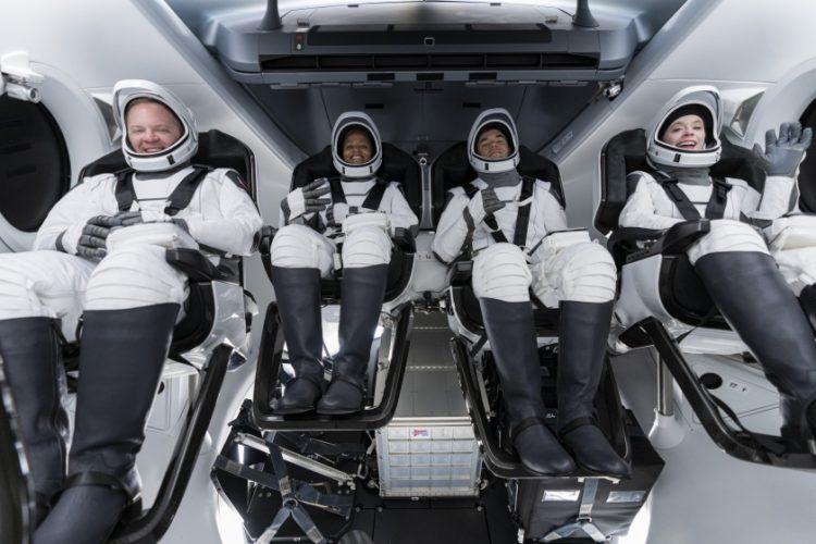 Τέσσερις οι επόμενοι αστροτουρίστες του διαστήματος (φωτ.: twitter.com/rookisaacman/Inspiration4 / John Kraus)
