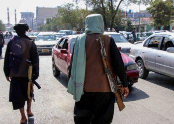 Δυνάμεις των Ταλιμπάν περιπολούν στην Καμπούλ (φωτ.:EPA/STRINGER)