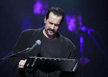 Ο Τάσος Νούσιας στη «Δέηση Πόντου» που ανέβηκε τον Φεβρουάριο του 2020 στη Σταυρούπολη (φωτ.: Παύλος Μακρίδης)