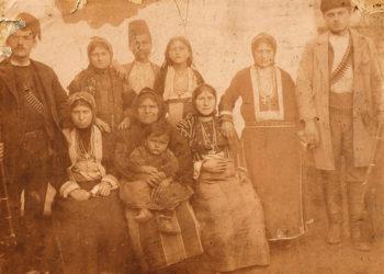 Σάντα 1900, ενορία  Πινατάντων. Μέλη των οικογενειών Τσαντεκίδη και Ποταμόπουλου (πηγή: Ψηφιακή Σάντα)
