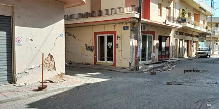 Ακατάλληλα κτήρια άφησε πίσω του ο σεισμός των 5,8 βαθμών της κλίμακας Ρίχτερ, στο Αρκαλοχώρι Ηρακλείου Κρήτης (φωτ.: Ανδρέας Παπαγεωργίου)